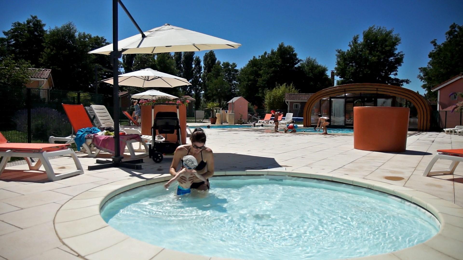 Location de g te avec une piscine chauff e en midi for Village vacances avec piscine couverte