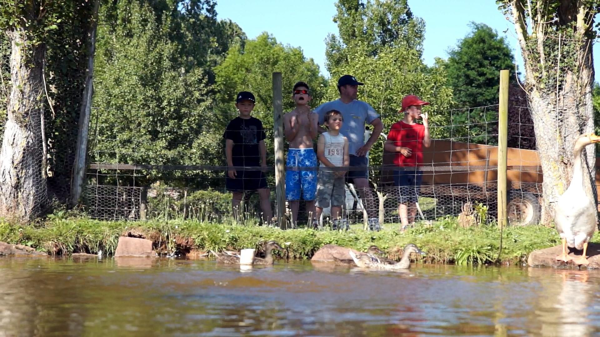 Location gite et village vacances aveyron avec piscine for Aveyron camping avec piscine