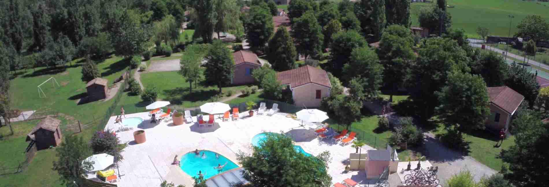 piscine-chauffée-couverte-gites.jpg