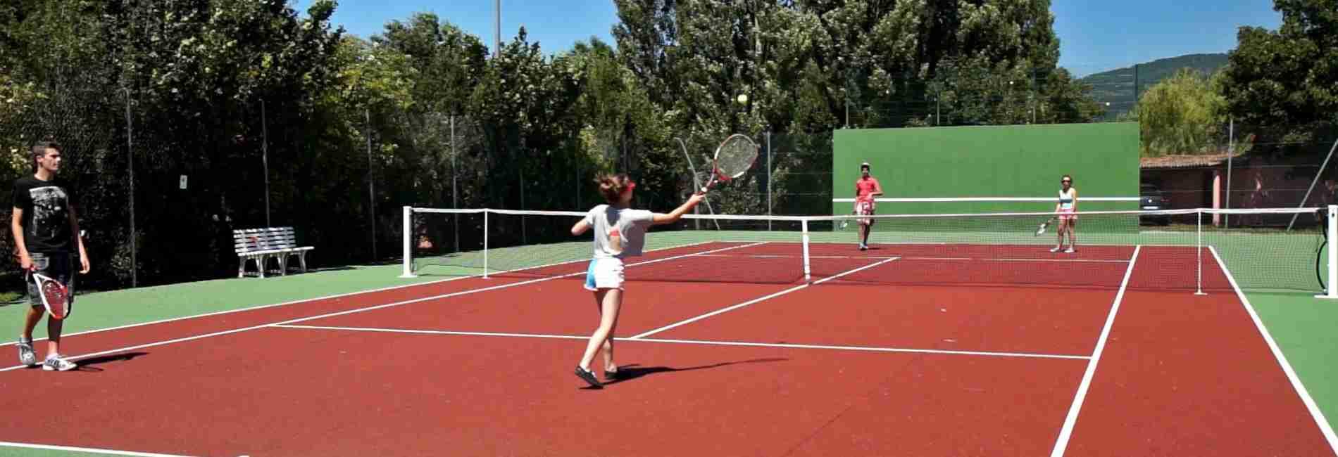 tennis-location-de-vacances.jpg