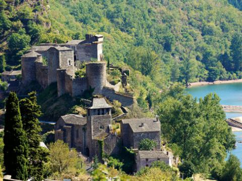 chateau-brousse-camping-2.jpg