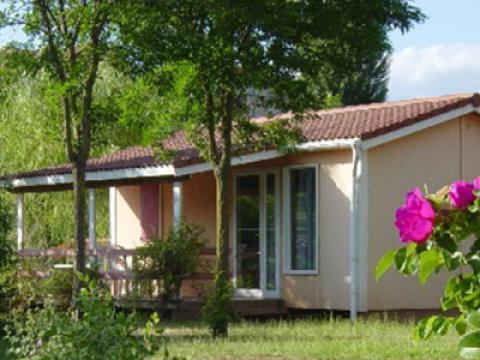 location gite et village vacances aveyron avec piscine chauff e. Black Bedroom Furniture Sets. Home Design Ideas
